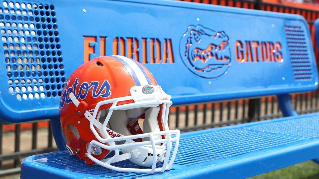 newest fb552 8fe46 Gators Coaching Staff Connects With a Younger-Than-Usual South ...